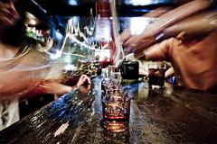 Otra ronda (Jos Andrs Torregrosa) Tags: bar granada bebida chupitos camarera joseandres sigma1020 40d canon40d josetorregrosa
