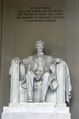 Washington DC: Lincoln Memorial (wallyg) Tags: sculpture statue washingtondc dc districtofcolumbia memorial nps president landmark nationalmall lincolnmemorial dcist abrahamlincoln memorialpark danielchesterfrench nationalmemorial nationalregisterofhistoricplaces nrhp nationalmallandmemorialpark presidentialmemorial aia150 usnationalregisterofhistoricplaces nationalmallmemorialparks dcinventoryofhistoricsites districtofcolumbiainventoryofhistoricsites