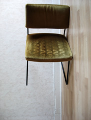 Variation sur une chaise introduction (Mr-Pan) Tags: green chair vert gravity variation chaise sige fauteuil quilibre gravit dsquilibre
