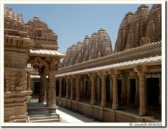 Bhadreshawar Jain Temple (by Jayesh Bheda)