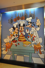 DSC_0787 (shine_blitz_on) Tags: goofy hotel mural chef mickeymouse bjd minniemouse superdollfie volks donaldduck tokyodisneyland specialevent daisyduck balljointdoll disneyambassadorhotel sdownerappreciationevent sd in2009