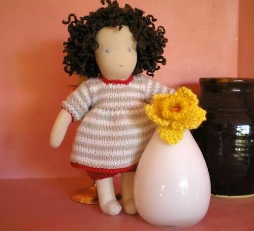 Minnie and the daffodil