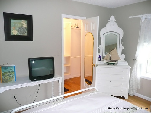 Upstairs Bedroom with huge walkin closet