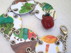 With the apple (pic 3) (Jupita) Tags: recycled funky jewelry caterpillar giftcard upcycled starbuckscard trashion jupita borderscard veyhungrycaterpillar