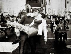 El beso de Times Square (javi_indy) Tags: newyork kiss timessquare beso nuevayork ♡