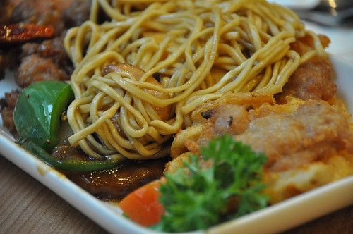 Crispy Noodles with Assorted Seafood