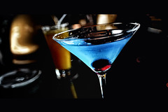 drowing the (monday) blues (cteteris) Tags: blue singapore drinks alcohol martiniglass monday cocktails newasiabar nikkor20mm28 nikond700 focusesreallyreallyclose oneofthemanyreasoniminlovewiththislittlelens allofasuddenimissmythewickedcoolmartiniglasscollectioniusedtohave ihopejillyjillsgettinggooduseoutofit