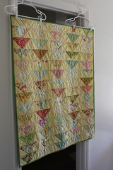 Flock of Triangles baby quilt (librarianknits) Tags: quilt freshcut flockoftriangles deniseschmidt