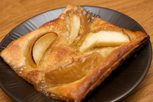 apple pastry deserts by sj