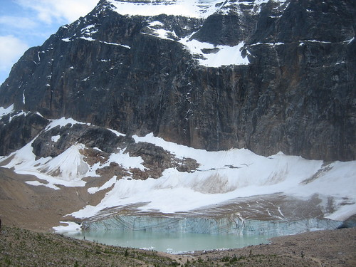 Mount Edith Cavell (Photo by jodastephen)