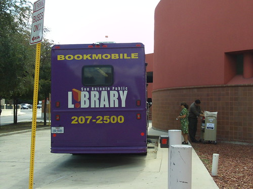 spotted: bookmobile