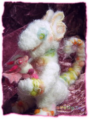 Pukis & Sweet-Ball (borometz) Tags: pink color art wool monster toy dragon craft felt plush fantasy tiny needlefelting legend mythology myth handcraft    needlefelted        atelierborometz