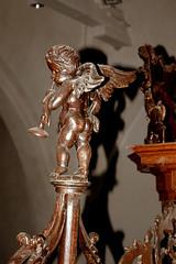 Uithuizen, Groningen, hervormde kerk, organ, rugwerk, ornament (groenling) Tags: wood angel trumpet carving organ cherub engel groningen hout orgel schnitger trompet uithuizen houtsnijwerk hervormdekerk snijwerk allertmeijer janderijk angemusicien mmiia