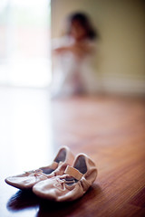 Time to Dance (arkworld) Tags: ballet jessie nikon dof bokeh balletslippers 50mmf14d nikond3