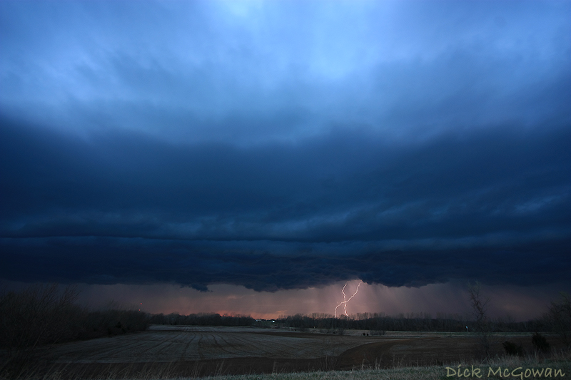 Lebo, Kansas Shelf Cloud + Lightning