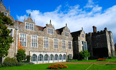 Knole's South Face Looks Very Different! (antonychammond) Tags: uk blue england sky green kent britain lawn nationaltrust tp soe sevenoaks knole blueribbonwinner otw flickraward firsttheearth goldstaraward anticando landscapedreams pathscaminhos castlespalacesmanorhousesstatelyhomescottages virtualjourney knolehistorichousedeerpark