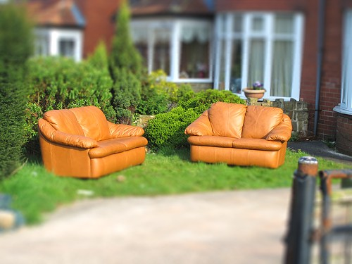 Tilt shift sofas