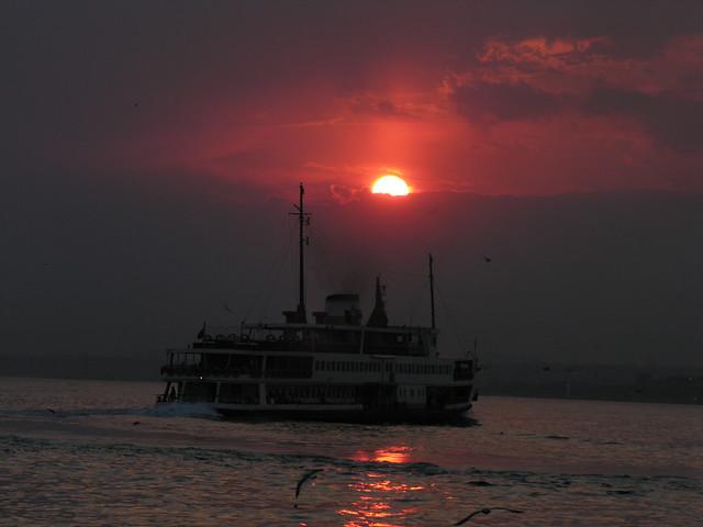 3452167967 4596fe5eaa z Boszporus éjszakai hajótúra