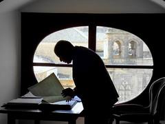 ... tan callando (Miguelngel) Tags: history bell library estudio campana biblioteca