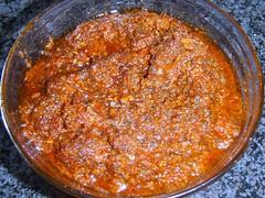 Tapanade med hvidløg og tomat