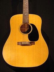 Elvis, among many, played a Martin D-18 (by: Prairie Sun Music)