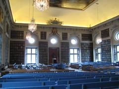 La grande salle aux armoiries
