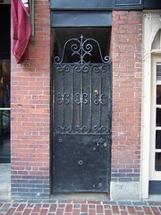 Door in Boston (Central Maine Bench Reporter) Tags: boston ma beantown