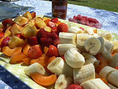 plateau de fruits coupés.jpg