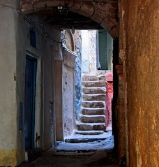 stairs, doors, colors... (Z Eduardo...) Tags: africa door urban colors stairs morocco maroc safi superaplus aplusphoto platinumheartaward