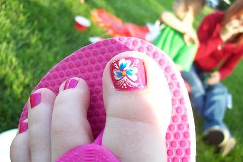 flower summer toe nail art design pink