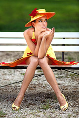 (PPter) Tags: red woman grass hat fashion yellow canon bench eos model dress tata pad modell divat ruha piros srga kalap n f ppeter 5dmarkii 5dmkii polczpeter