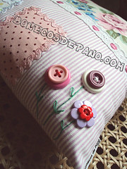 .:. Detalhe flores - Almofada Casa .:. (Bonecos de Pano .Com) Tags: house home casa florida decorao almofada paraolar almofadacasa floresdeboto