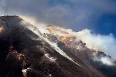 Etna (Herminio.) Tags: italy mountain italia crater sicily montaa etna humo vapor sicilia cima alcaraz herminio vellisca saghita herminioalcaraz