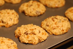 Chocolate Chip Skor Oatmeal Cookies