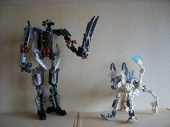 Tracker (Sparkytron) Tags: dark universe bionicle hunters