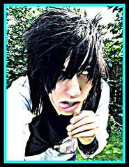 destery thinks ur weird! (- razor blayde .) Tags: outside moore picnik edit destrey desandnate