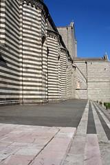 Duomo di Orvieto, particolare (gilberto.gini) Tags: canon duomo orvieto prospettiva linee prospettive duomoorvieto