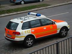 ELW - VW Touareg BF Hamburg (Dennis Deng) Tags: germany deutschland fire hamburg platform firetruck mercedesbenz ladder ems feuerwehr arial tmf atego berufsfeuerwehr teleskopmast