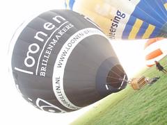 P4050275 (mariobiemans) Tags: ballon april 2009 varen