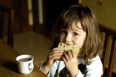 un bon petit dj' (ybipbip) Tags: morning portrait children pentax enfant matin djeuner k10d pentaxk10d smcpa50mmf17 pentaxa50f17