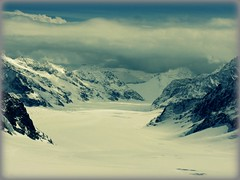 A bit closer to Heaven (Hari Prasath....) Tags: winter light snow mountains nature beauty canon lights switzerland fabulous depth jungfraujoch deserve anawesomeshot a720 a720is