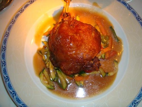 Confit de Pato con salsa Chop-Suey