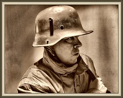 GERMAN SOLDIER-WW1-1918-PRIMERA GUERRA MUNDIAL-GREAT WAR-FOTOS-ERNEST DESCALS (Ernest Descals) Tags: people man men history portraits vintage germany soldier army deutschland war wwi helmet selfportraits documentary guerra krieg retratos german militar alemania soldiers mann recreation ww1 greatwar firstworldwar historia documento soldat reich soldado guardia armee deutsch autoretratos militaria aleman historie ejercito centinela geschichte soldados reenacting historica kampf erholung historico soldats historische twentiethcentury recreacion germansoldiers dokumente erzhlung sigloveinte primeraguerramundial trincheras stahlhelm historiador historischen granguerra miltar soldadosalemanes ernestdescals