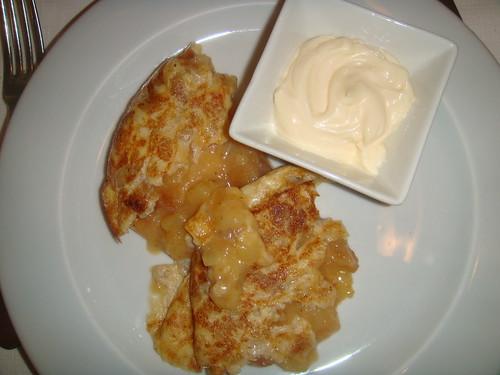 Tortilla Velazqueña, de patatas, jugosa