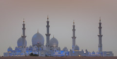 White Mosque at Dusk (Jim Boud) Tags: digital canon eos rebel sand uae mosque zayed abudhabi sheikh soe unitedarabemirates xsi topaz persiangulf grandmosque 450d jimboud jrbxom jamesboud jamesboudphotoart