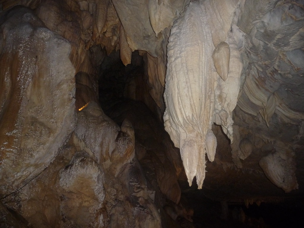 Mulu-Lang Cave (2)
