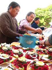 Enchiladas-R-Us Too (Rudy A. Girón) Tags: food cuisine guatemala comida antigua gastronomia gastronomy enchiladas tostadas antiguaguatemala guatemalanwomen rudygiron guatemalancuisine laantiguaguatemala lagdp laantiguaguatemaladailyphoto mujeresguatemaltecas rudygirón guatemalanenchiladas somosenchiladas enchiladasrus