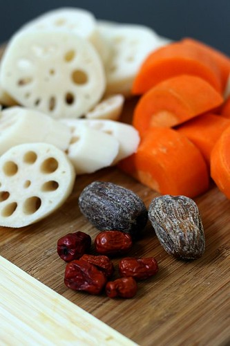 Ingredients for lotus root soup