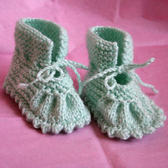 chausson2 (La joie des lutins) Tags: boy baby wool girl socks children clothing knitting toddler shoes handmade crochet gift accessories knitted slippers booties boyandgirl handmadeproducts wooltoddler