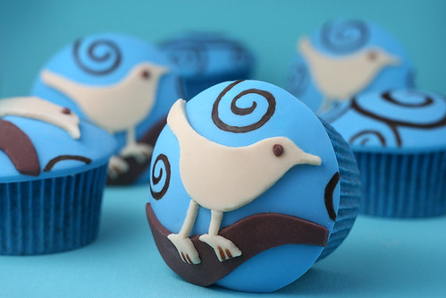 cupcakes with twitter logo on them